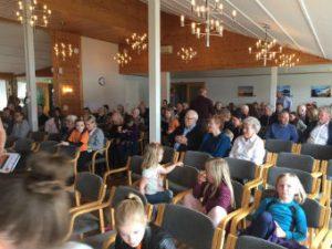 En del av forsamlingen like før Familiemøtet starter